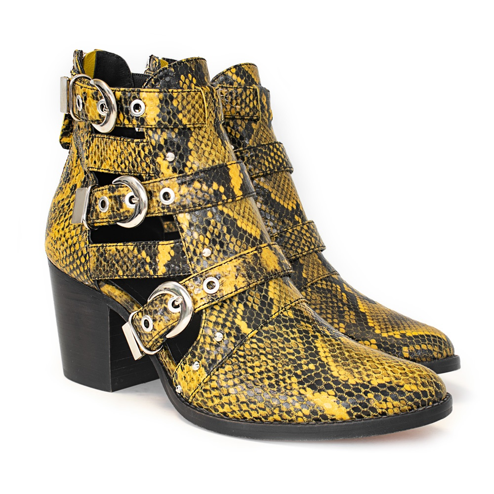 Represent Yellow/ snake
